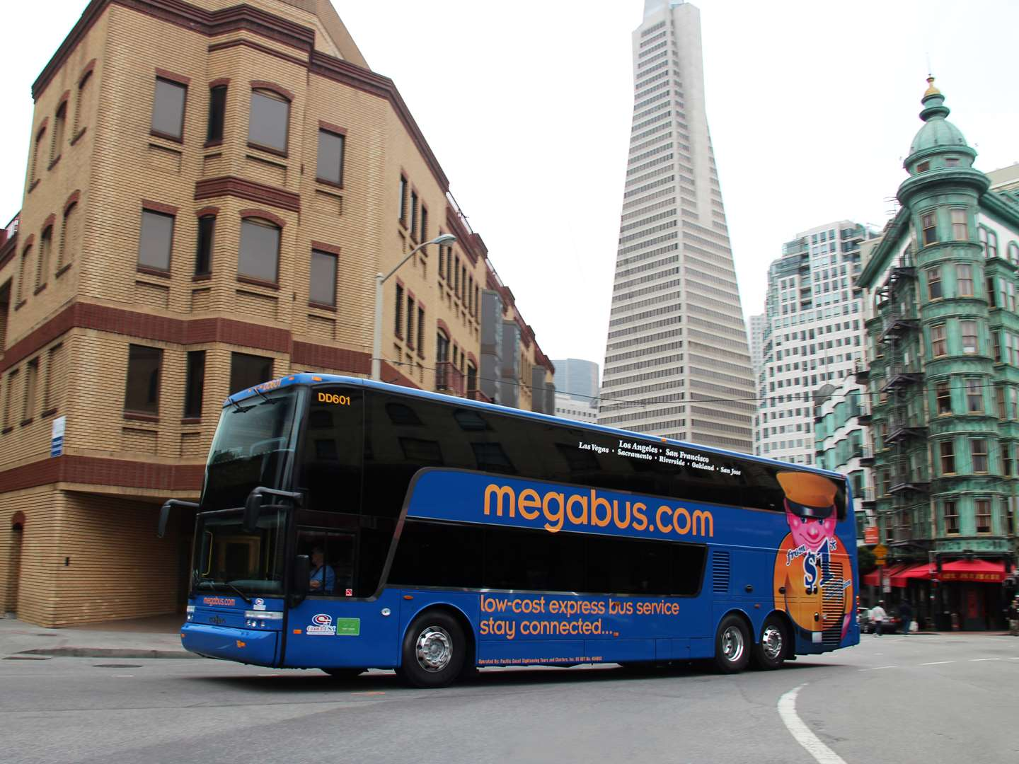 megabus in front of the Transamerica Pyramid in San Francisco, CA